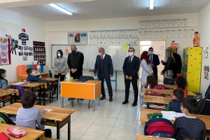 Kütahya Andız İlk Okulu Öğrencilerine 23 Nisan Çocuk Bayramı Hediyelerini Dağıttık